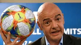 La FIFA insiste en revisar el calendario del fútbol en búsqueda de un Mundial cada dos años